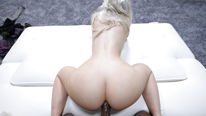 Casting Couch HD: Jessy
